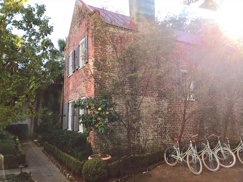 The Discerning Guide to Charleston